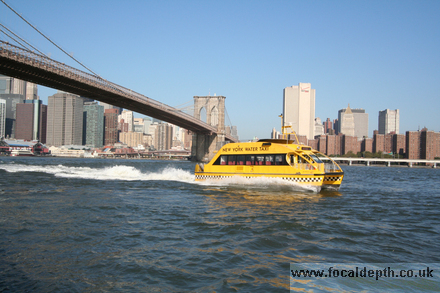 USA - Water taxi, Brooklyn Bridge, Manhattan, New York