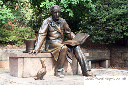 USA - Bronze statue of Hans Christian Anderson, in Central Park, New York